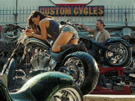 Megan Fox Transformers Motorrad by Transformers Megan Fox Bike Www Imgkid The Image