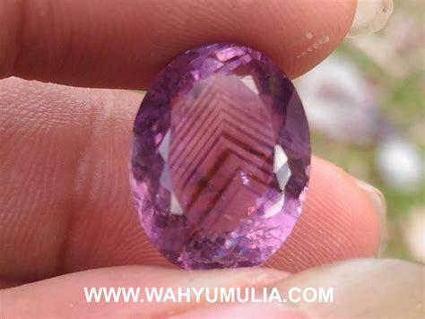 Batu Permata Junjung Derajad Segitiga Kode batu kecubung ungu serat junjung derajat antik kode 475