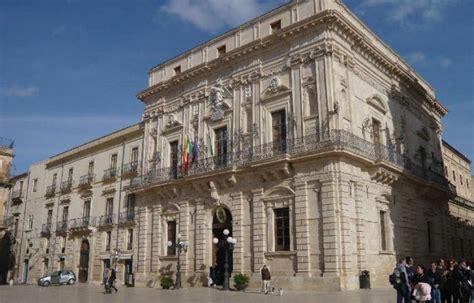 comune messina ufficio sta danni in uffici comune di siracusa la sicilia