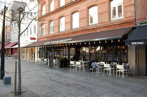 Cafe Awnings by The World S Catalog Of Ideas