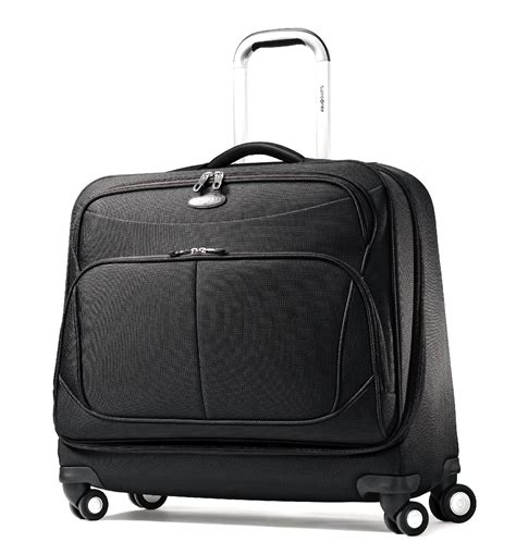 Samsonite Hyperspin 2 Wheeled Garment Bag by Travel In Style Thanks To The Perimeter Dlx Spinner Garment Bagit S Not Always Easy To Arrive At