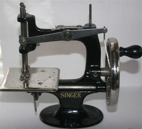 singer swing old singer hand crank child s sewing machine cast iron