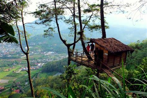Dipan Kayu Di Malang omah kayu tempat penginapan unik di kota batu malang hotelmurah club