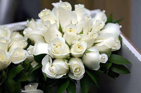 Sprei Single Belladona Beladona Classic white bridal bouquets classic and