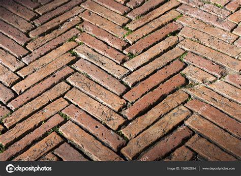 Ziegel Bodenbelag by Bodenbelag Mit Alten Ziegeln Siena Italien Stockfoto
