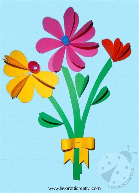 mazzo di fiori di carta bouquet di fiori con cuori