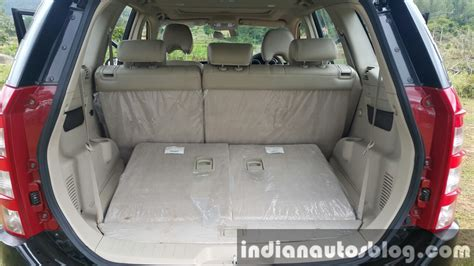 space seating 2015 mahindra xuv500 facelift boot space with seats