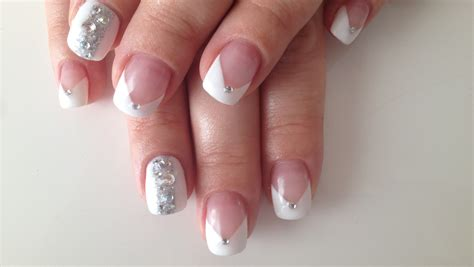 Model Ongles Gel by Ongle En Gel Blanc Avec Strass