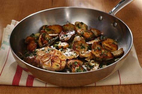 cuisiner chignons de frais a la poele recette de po 234 l 233 e de c 232 pes 224 la bordelaise facile et rapide