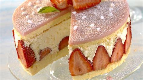 kuchen biskuitteig erdbeer sahne torte kuchen aus biskuitteig backen nach rezept