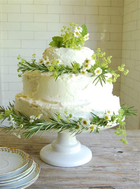 home made cake decorations wedding cake dilemma