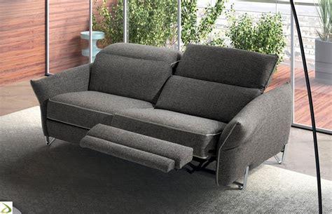 divano relax 2 posti divano con braccioli pieghevoli milo arredo design