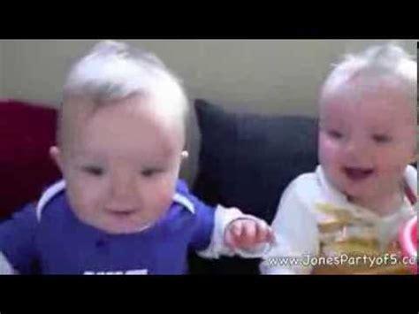 Bayi Kembar Lucu Bayi Kembar Lucu Bikin Gemas