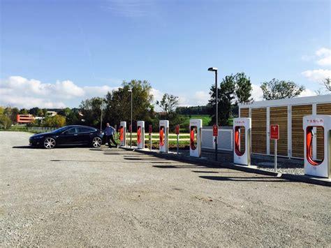 Tesla Supercharger Station Quelles Bornes De Recharge Rapide Pour Voitures