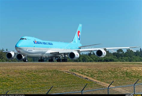 hl7629 korean air cargo boeing 747 8f at everett snohomish county paine field photo id