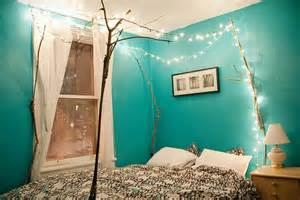 Canopy Bed Twinkle Lights 7 Ways To Decorate With Twinkle Lights Year