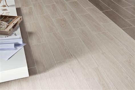 only 19 m2 fronda haya timber look spanish matt floor tile