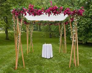 Chuppah Poles 10 Ways In Which Flowers Make Your Wedding A Memorable Affair All About Flowers Our Blog