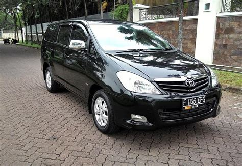 Toyota Kijang Innova G toyota kijang innova diesel 2010 g manual mobilbekas