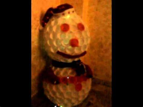 Pupazzo Di Neve Fatto Con Bicchieri Di Plastica Pupazzo Di Neve Fatto Con Bicchieri Di Plastica