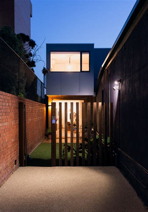 house of collingwood prefab collingwood house effortlessly fits into a narrow