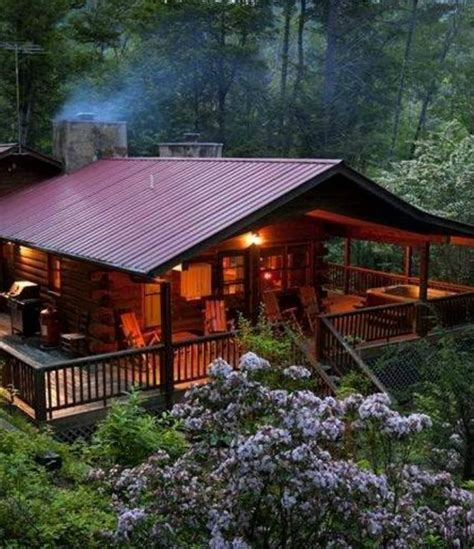 cabin porch log cabin cooking cabin with wide veranda cottage cabin cing