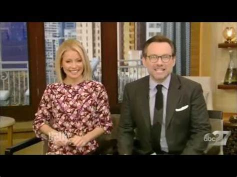 matthew rhys interview youtube matthew rhys caroline rhea interview live with kelly