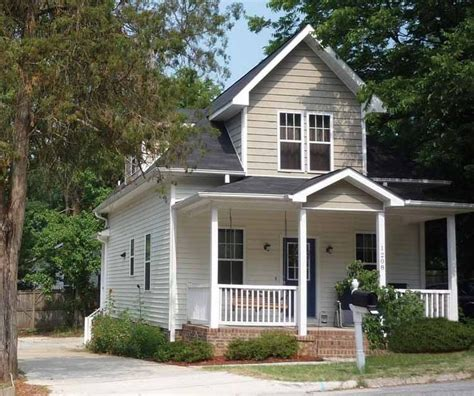 craftsman house plans and craftsman designs at builderhouseplans com bungalow house plan with 1367 square feet and 3 bedrooms