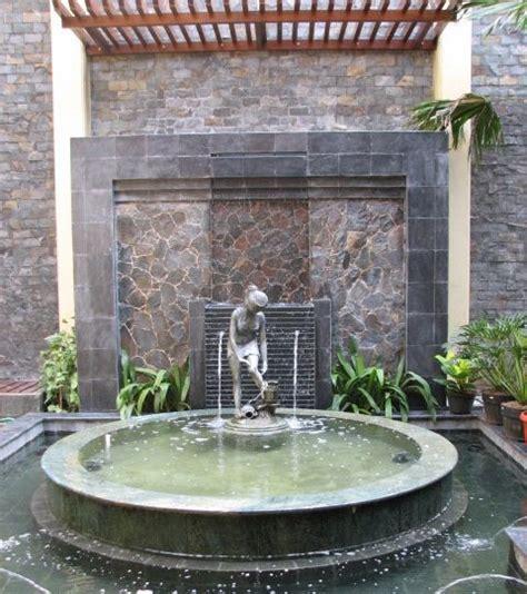 elegant water fountain designs trends air mancur desain