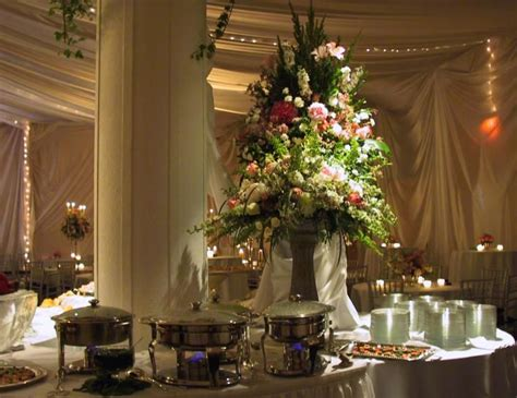 buffet table setting arrangement wedding buffet table flower decorations big centerpiece