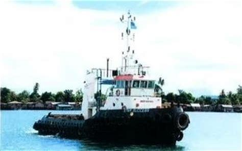 tugboat batam used 2400bhp tug used 2400 horsepower tugboat for sale