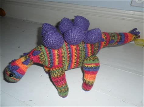 knitted dinosaurs tina barrett ravelry stegosaurus pattern by tina barrett