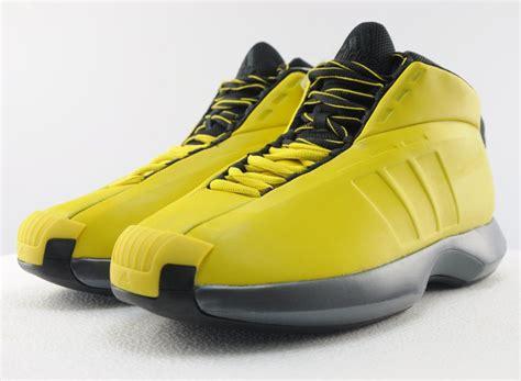 Sepatu Basket Adidas D 5 Nike Lebron Kyrie Ua adidas the retro sneakernews