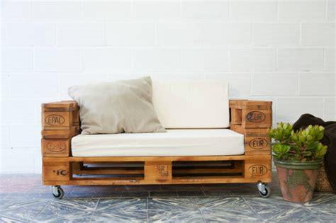 holzpaletten sofa 101 holzpaletten ideen f 252 r ihr stilvolles zuhause