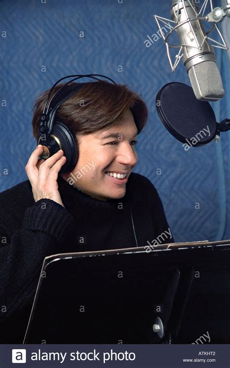 mike myers voice of shrek shrek 2001 dreamworks film with mike myers recording the