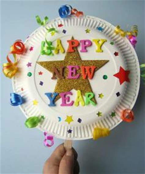 christmas eve crafts for preschool kids paper plate shaker noisemakers for new years craft activities crafts for