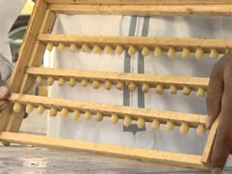Elevage De Reines Au Plafond by تربية ملكات نحل العسل بطريقة التطعيم في ع مان 3