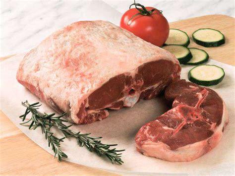 comment cuisiner la selle d agneau recettes d agneau de lacuisinedephilippe