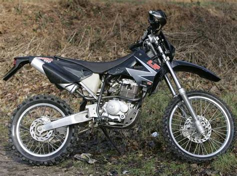 AJP PR4 ENDURO (2003 on) Review   MCN