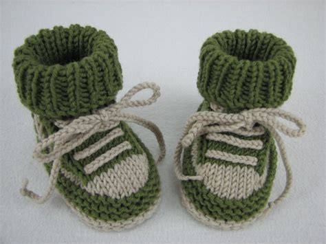 pattern knitting baby shoes baby shoes knitting pattern easy