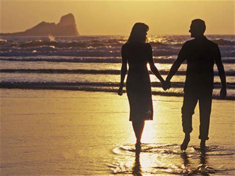Jomblo Adalah Sikap 10 perilaku romantis yang bikin iri si jomblo ciricara
