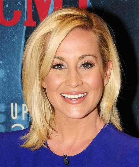western singers blonde highlight hairstyles 199 best mid length straight hairstyles images on
