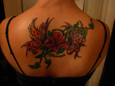 tatuaggi farfalle fiori tatuaggi fiori e farfalle immagini e significato
