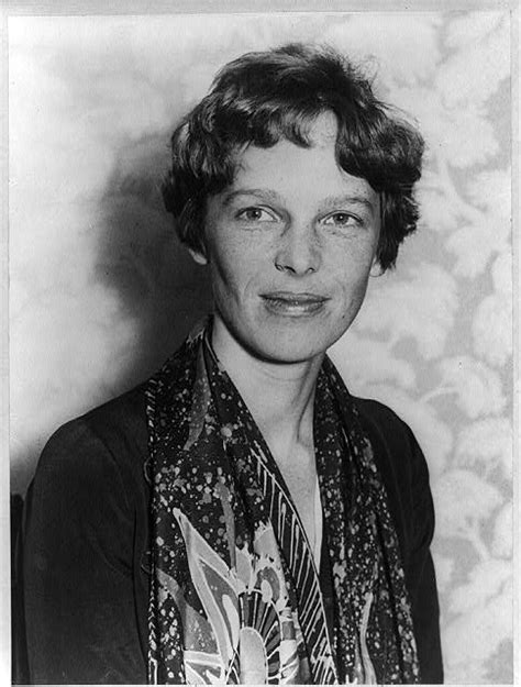 Amelia Earhart - Biography, Facts, and Pictures