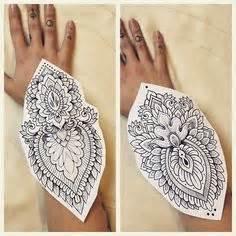 henna tattoo utrecht mandala mandalas mandalatattoo wrist pols lines fineline