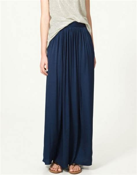how to look in a maxi skirt chatelaine