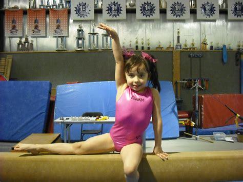 gymnastic little girl little girl gymnastic