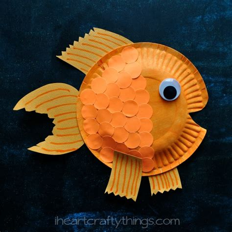 Paper Plate Fish Craft - i crafty things paper plate fish craft for