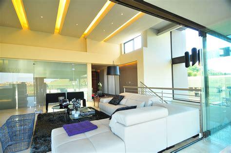 House Tat Designed by Nico van der Meulen Architects KeriBrownHomes