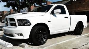 White Truck Grey Wheels Srt 22 Quot S Gunmetal Or Matte Black Dodge Ram Forum